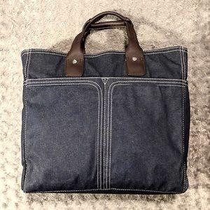 Retro denim & leather bag. Great weekend bag! ✈️✌️